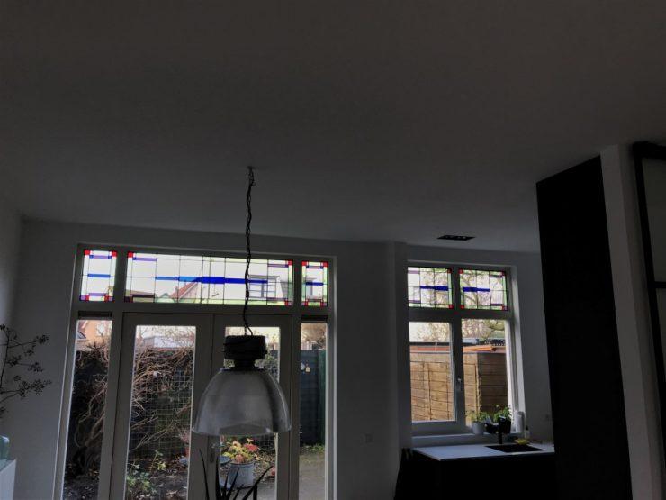 Nieuw glas in lood ramen ontworpen en uitgevoerd.
