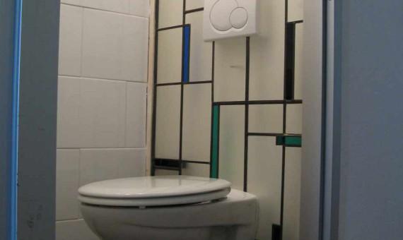 Glas in lood achterwand wc